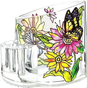 Amia 5752 Daisies and Butterfly Pencil Holder