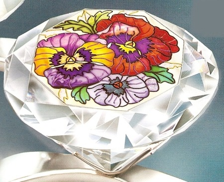 Amia 9073 Pretty Pansy Petals