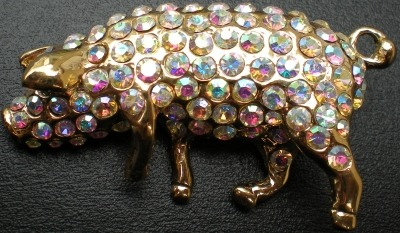 Jewelry - Fashion PINPigGold1 Pig With Crystals Pin Brooch
