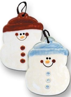 August Ceramics 2075K Round snowman with knit hat Ornament