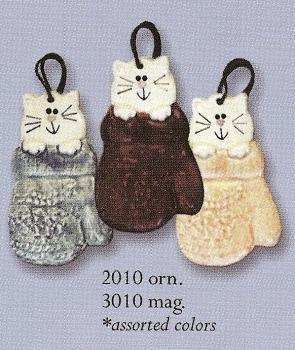 August Ceramics 3010 in Mitten Magnet