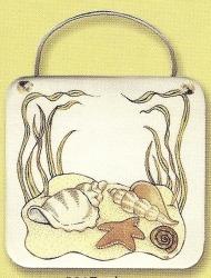 August Ceramics 8017 Seashell Plaque