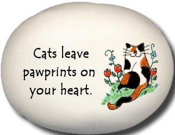 August Ceramics 8159E Cat Cat's leave pawprints on your heart. Mini Rock