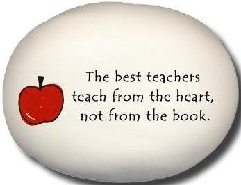 August Ceramics 8176A Apple The best teachers teach from the heart Mini Rock
