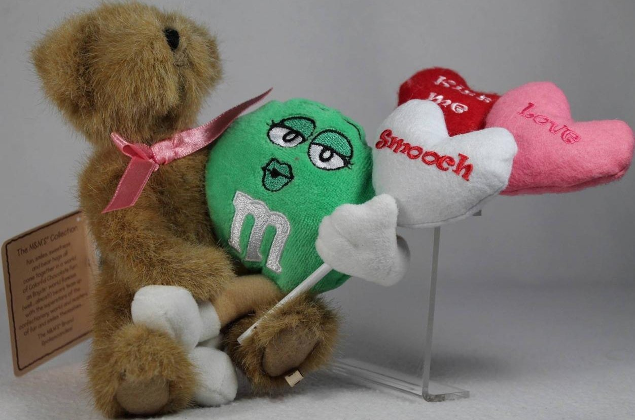 Boyds Bears Collection 9190002 M & M s Plush Smooches With Green