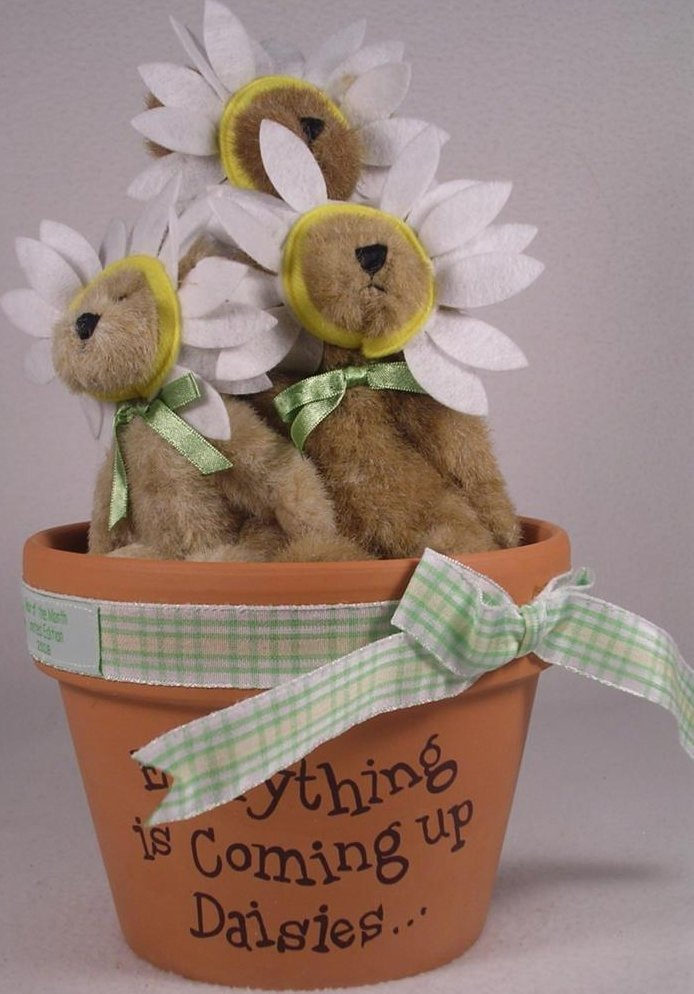 Boyds Bears Collection 930005 Whoops A Daisy 3 Daisy Bears In Pot Bear of Month