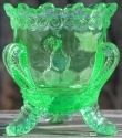 Boyd's Crystal Art Glass BYDFMNPeridot Boyd Glass Forget Me Not Toothpick Holder Peridot