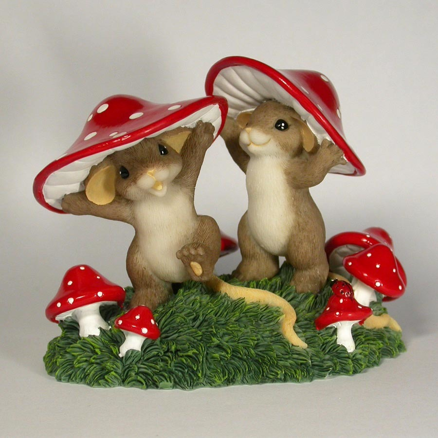 Charming Tails 4017346 Come Join Us Theres Enough Shroom For Everyone Figurine