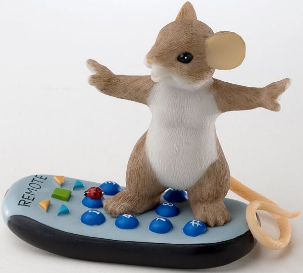 Charming Tails 4020531 Channel Surfing Figurine