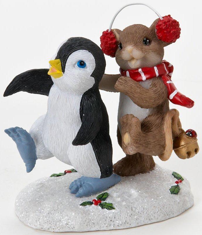 Charming Tails 4023665 Making Tracks to Christmas Figurine