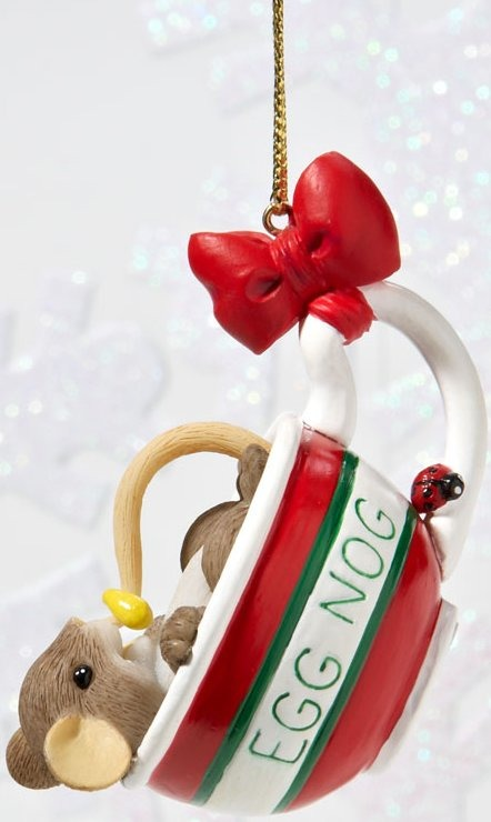 Charming Tails 4023668 Dont Miss a Drop of the Holiday Cheer Ornament