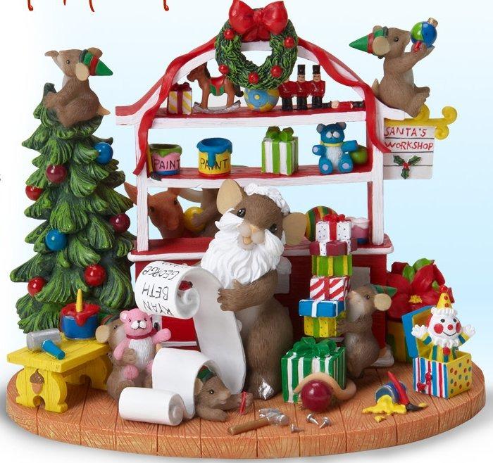 Charming Tails 4023835 Mouse Santa Work Shop
