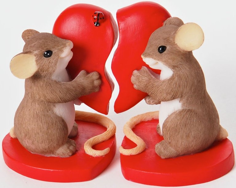 Charming Tails 4025753 You Complete My Heart Figurine