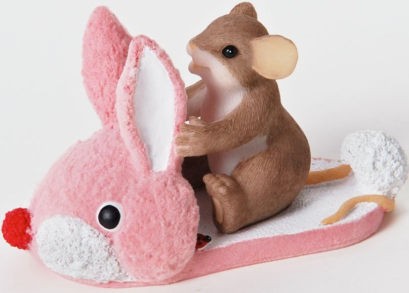 Charming Tails 4025759 Youre One Hoppy Little Sole Figurine