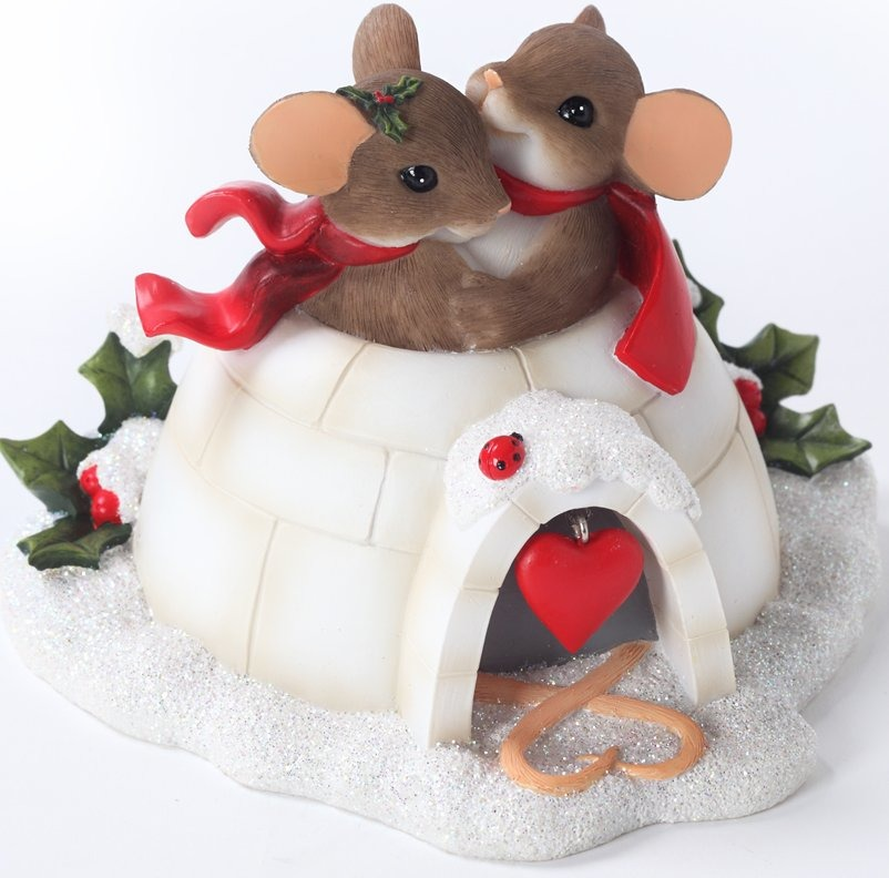 Charming Tails 4027662 Igloo Built for Two Figurine