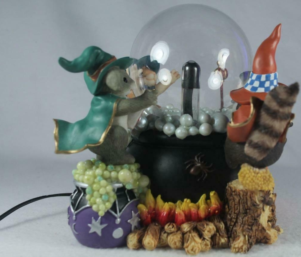 Charming Tails 85110 A Spooky Brew Plasma Light Up Globe