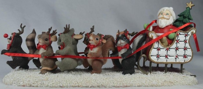 Charming Tails 87130 Dash Away All Santa & Reindeer