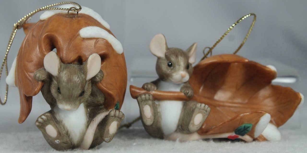 Charming Tails 98313 10th Anniversary Commemorative Set Of 2 Ornament
