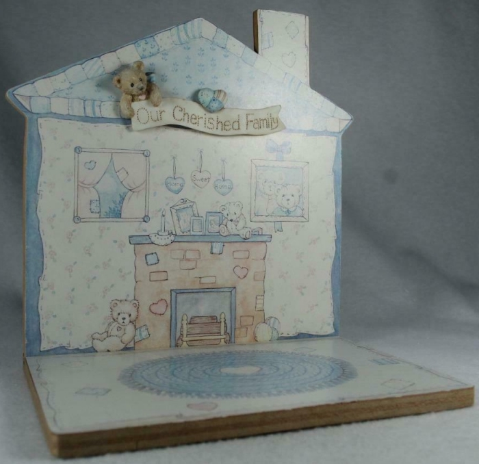 Cherished Teddies CRT014 Our Cherished Family Wood House Shape Displayer