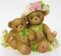 Cherished Teddies 4018048 Nothing Compares to the Love of Mom Figurine