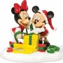 Disney Villages by Department 56 811276 Mickey & Minnie Wrapping Gifts