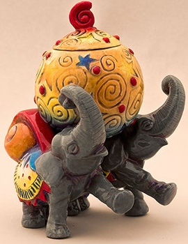 DaNisha Sculpture M005 Royal Parade Elephant with Lid