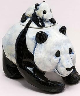 DaNisha Sculpture M024 Panda Bear Pack with Lid