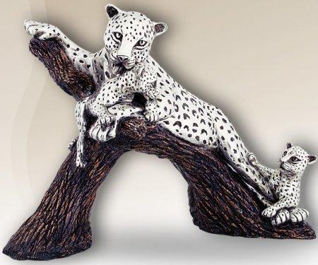 D'Argenta 8017 Leopard by Ricardo del Rio