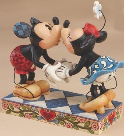 Jim Shore Disney 4013989 Smooch For My Sweetie Figurine