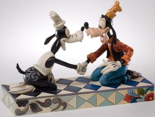Jim Shore Disney 4026096 Goofy Thru The Years
