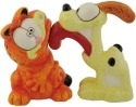 Garfield 15959 Odie Licking Garfield Salt and Pepper Shakers