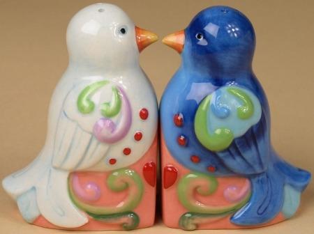 Jim Shore 4025874 Lovebirds Salt and Pepper Shakers