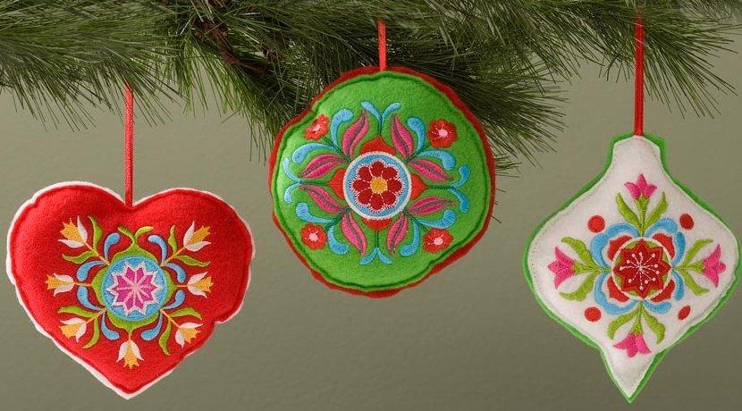 Jim Shore 4027861 Set of 3 Embroidered Felt Hanging Ornaments