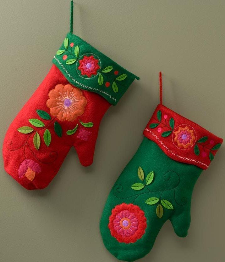 Jim Shore 4027866 Felt Small Mittens Stockings
