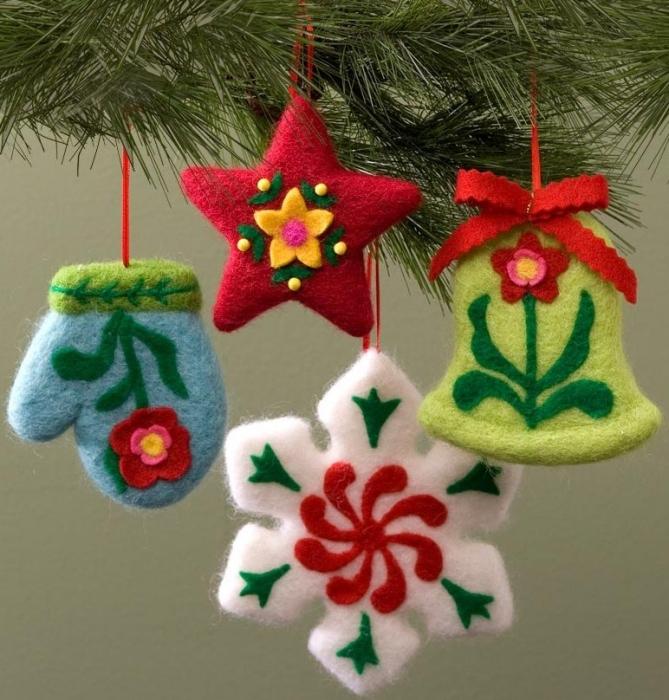Jim Shore 4029506 Set of 4 Hanging Ornaments