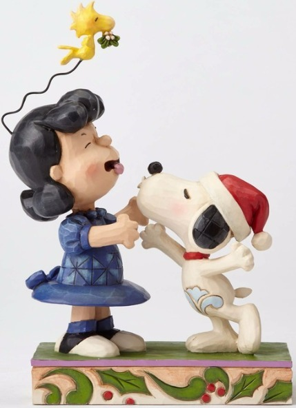 Jim Shore Peanuts 4052720 Snoopy Kissing Lucy