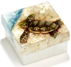 Kubla Crafts Capiz KUB 2-1539 Baby Sea Turtle Capiz Box