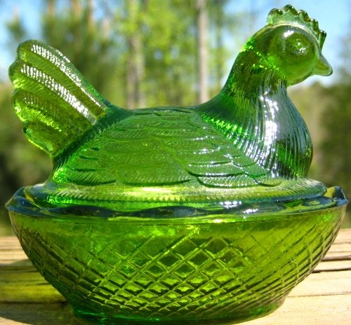 Estate Items 3 L E Smith Hen on Nest Antique Green