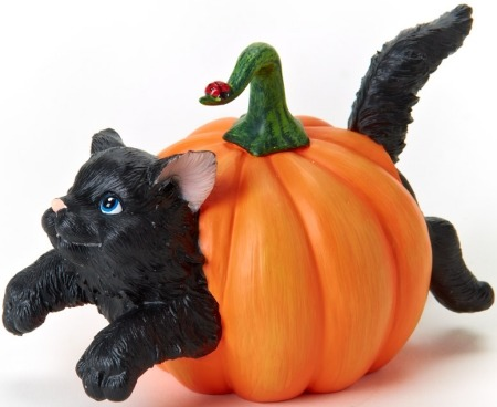 Charming Purrsonalities 4022703 Cat Inside Pumpkin Figurine