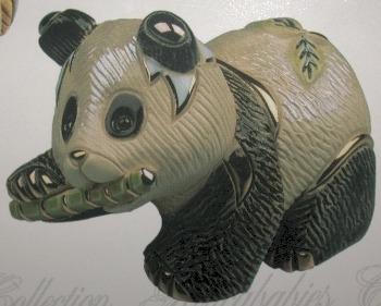 Artesania Rinconada 1737 Panda Bear Walking Baby