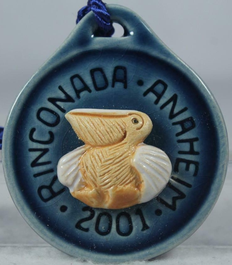 Artesania Rinconada 2001AnaheimPelicanBlue RARE Pelican Event Medallion 2001 Anaheim Blue