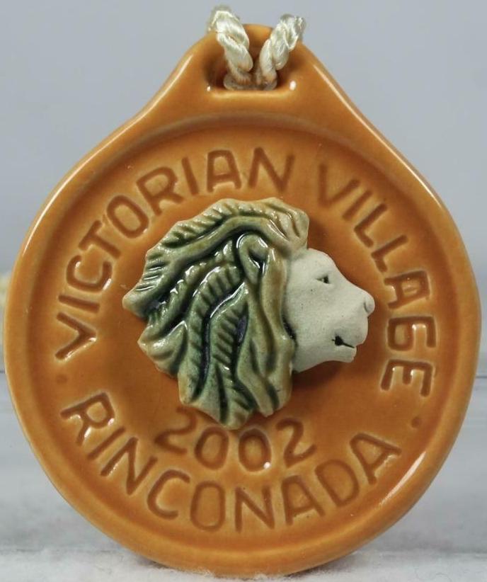 Artesania Rinconada 2002VictorianVillageLionGold Lion Event Medallion Signed 2002 Pandoras Event Signed