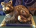 De Rosa Collections 615B Cat on BLUE Carpet Box RARE LE