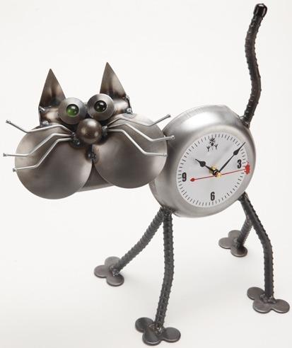 Yardbirds F318 Standing Cheeks the Cat Clock